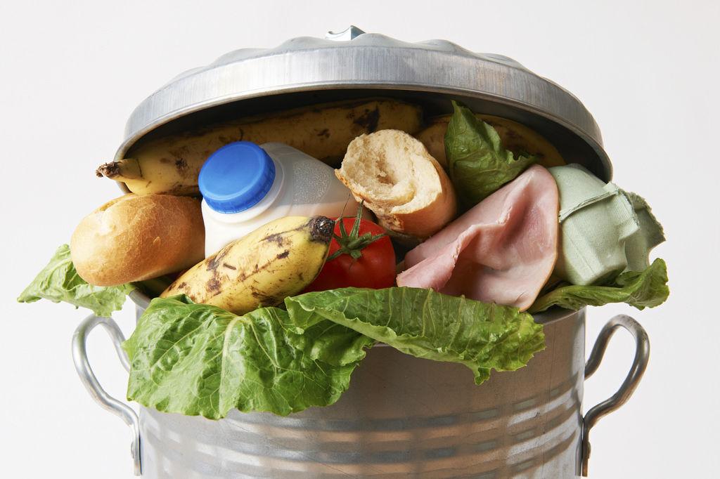 Aimento, alimentos, comida, huella hídrica, agua, residuos, recursos, desperdicio