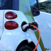El Gobierno prepara una ley para impulsar los vehículos limpios
