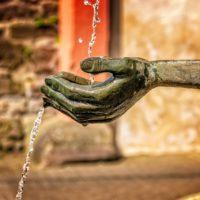 Europa bebe agua del grifo