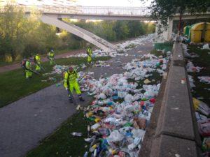 san juan, basura, plástico, noche