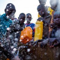 """Unicef: """"En los conflictos el agua contaminada puede ser tan mortal como las balas"""""""