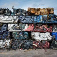 Francia planta cara al desperdicio material