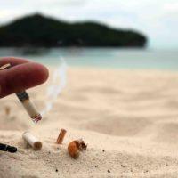 Las playas se convierten en un cenicero