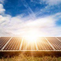 Un dispositivo produce energía y agua limpia