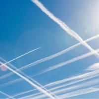 Las emisiones de eléctricas, industriales y aviación caen el 8,7%