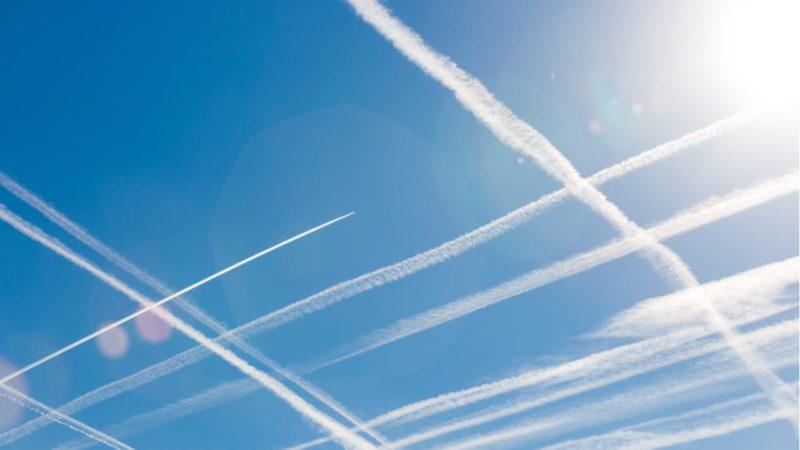 Vapor de agua, artífice de las estelas que dejan los aviones en el cielo