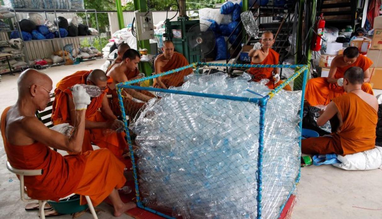 plastico budista