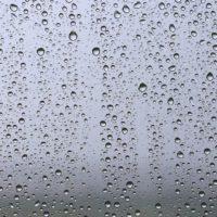 Microgotas de agua producen agua oxigenada