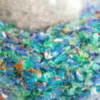 'Nanomuelles' para acabar con los microplásticos del agua