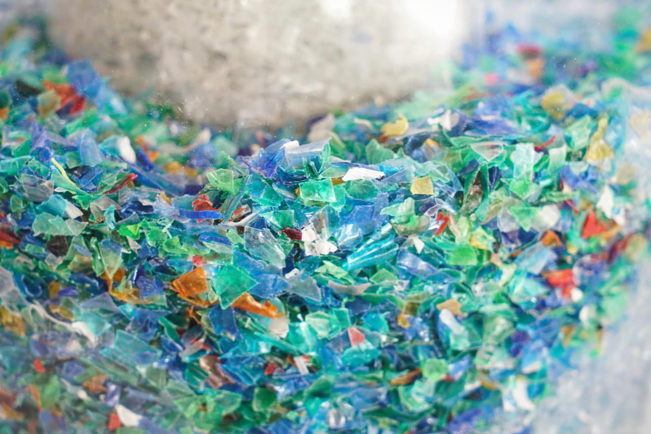 Nanomuelles' para acabar con los microplásticos del agua - EL ...