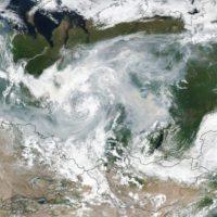 El humo de los incendios de Siberia ocupa una superficie como la UE
