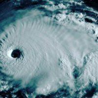 El huracán Dorian llega a Florida tras arrasar Bahamas