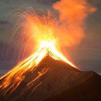 Los volcanes emiten cien veces menos carbono que la humanidad