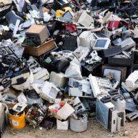 El confinamiento reduce un 50% el volumen de recogida de residuos eléctricos