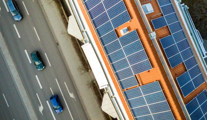 Cinco años para instalar un millón de tejados solares
