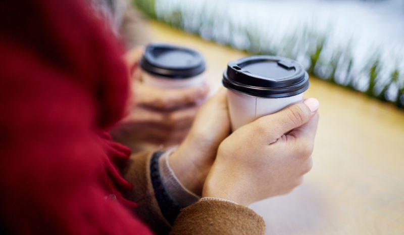 Irlanda establecerá un impuesto a los vasos de café de plástico
