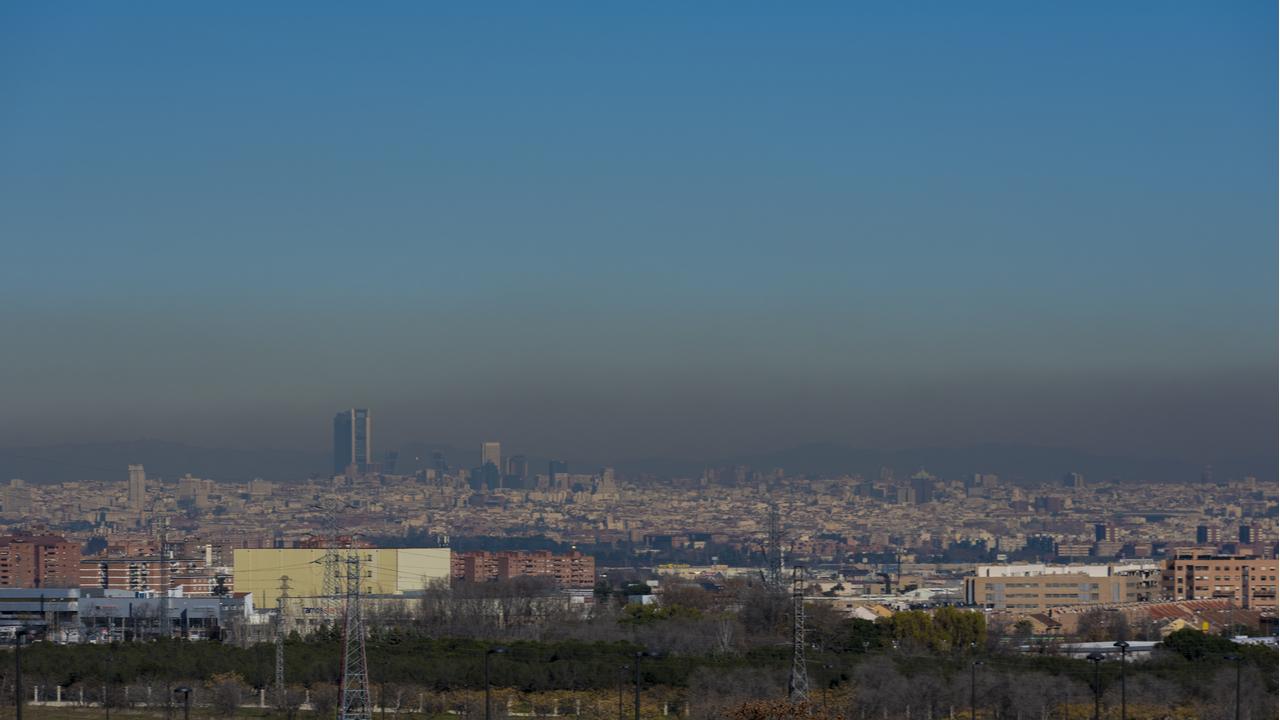 Vista de la boina de contaminación que muchas veces cubre Madrid