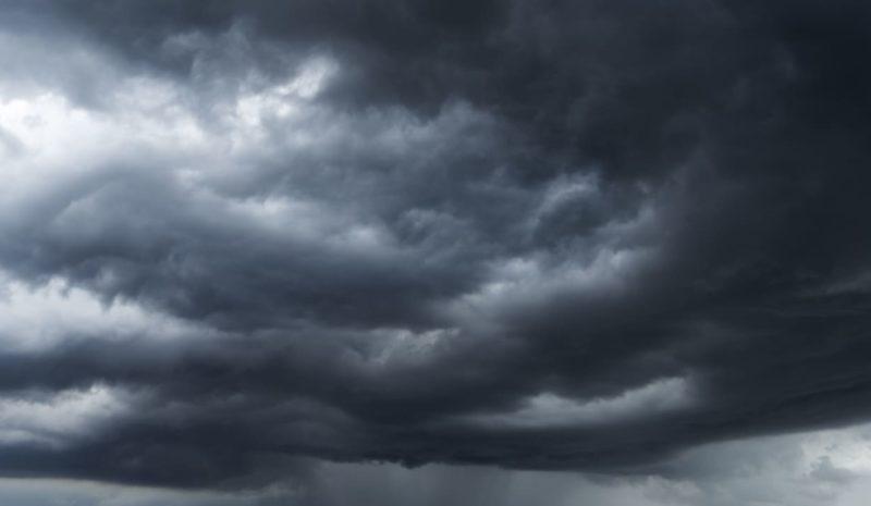 La borrasca Bárbara dejará muchas lluvias y viento esta semana