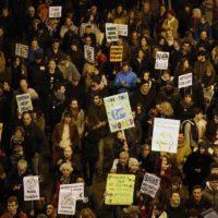 Miles de personas llenan las calles de Madrid en la marcha por el clima