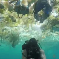 El paraíso de Bali se llena de plástico
