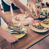 Los 'millennials' son los que más alimentos desperdician
