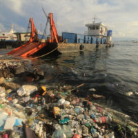 Los océanos albergan un millón de microplásticos más de lo estimado