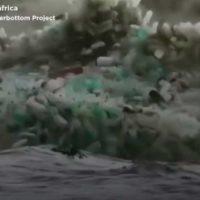 El mar se ahoga en plástico