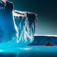 Lewis Pugh nada un kilómetro en la Antártida