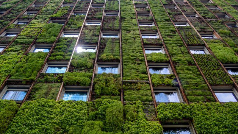 Bruselas lanza un plan para renovar 35 millones de edificios hasta 2030