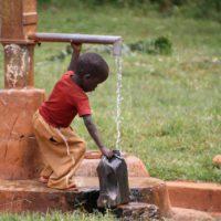 El saneamiento del agua, uno de los retos de la década, según la OMS