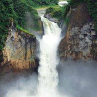 Un derrumbe de tierra acaba con la cascada de San Rafael en Ecuador
