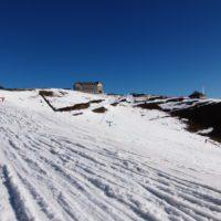 Un traslado de nieve en helicóptero para una estación de esquí desata la polémica en Francia