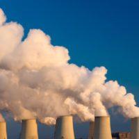 Bajan un 2 % las emisiones del sector eléctrico mundial por el abandono del carbón