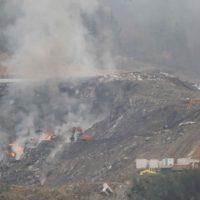 El fuego vuelve a amenazar el vertedero de Zaldibar