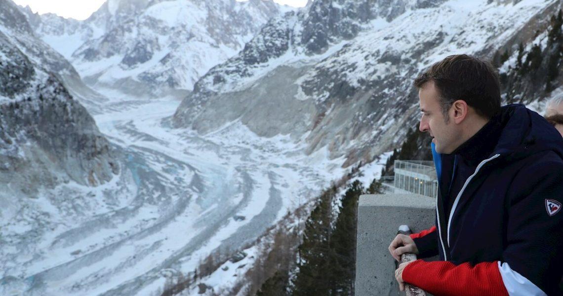 Macron sube a lo alto del Mont Blanc para reforzar su imagen ambiental