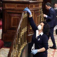 """El COVID-19 rebaja el tono político y """"casi todos"""" se unen en la lucha por la vida"""