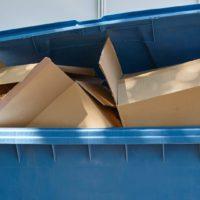 ¿Qué puedo tirar en el contenedor azul?