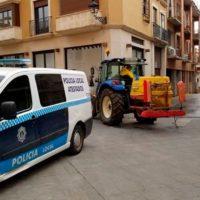 Los tractores salen de nuevo a las calles para colaborar en la desinfección de la España rural