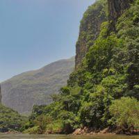 El Cañón del Sumidero, un tajo de agua en la selva chiapaneca
