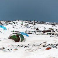 Los microplásticos invaden nuevos espacios de los polos terrestres