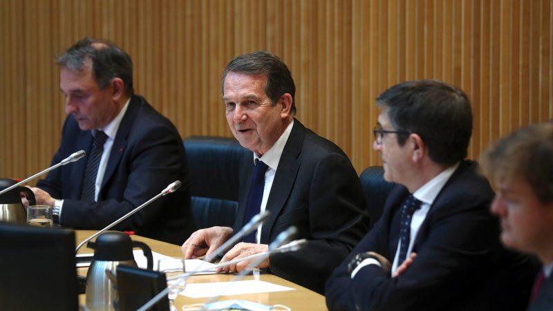Hacienda busca liquidez en los 18.000 millones ahorrados por los Ayuntamientos