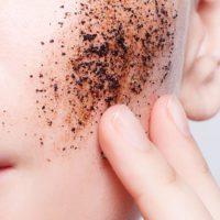La industria cosmética reduce un 97,6% las micropartículas