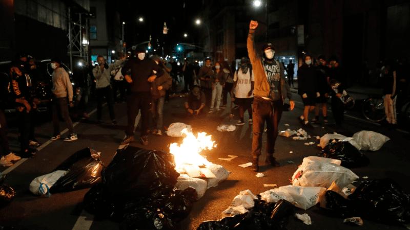 Protestas raciales en Brooklyn: una noche de ruido y furia