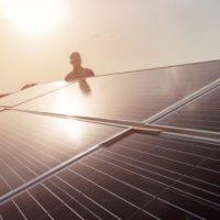 Un aire más limpio por el confinamiento impulsa la energía solar