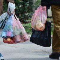 Bolsas de plástico, un producto versátil con el que hay que acabar