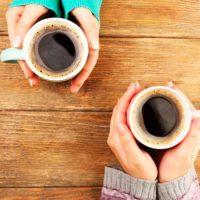 ¿Sabías en qué consiste la costumbre del 'café pendiente'?