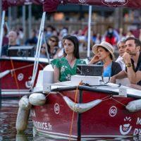 Cine sobre el agua, la experiencia que debuta en París