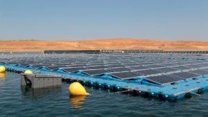 Planta solar fotovoltaica flotante Sierra Brava | Foto: EFE / Ana Isabel Crespillo