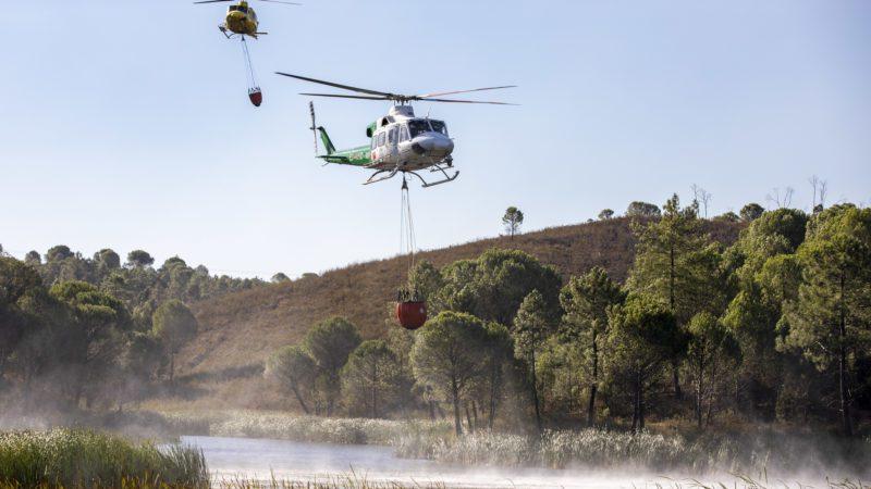 El incendio de Huelva, estable tras calcinar 16.000 hectáreas