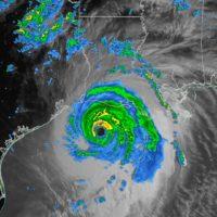 El Huracan Laura se acerca a categoría 5 y supera al histórico Katrina